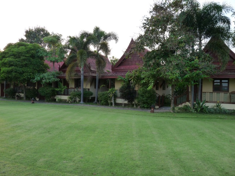 Bungalow rooms at Rico Resort, Chiang Kham